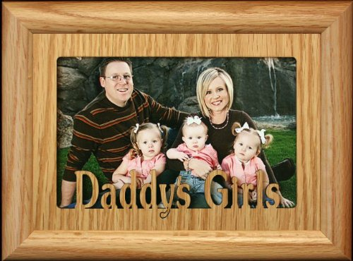 5x7 DADDY'S GIRLS ~ Landscape BLACK Picture Frame ~ Holds a 4x6 or cropped 5x7 Picture ~ Wonderful Keepsake Gift to Dad for Christmas or Birthday! Classy Crafts Inc