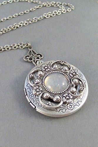 Goddess Locket (Vintage Moonstone,Locket,Antique Locket,Silver Locket,Moonstone,Goddess,Moonstone Necklace,Moonstone Locket,Moonstone Cab.Valleygirldesigns.)
