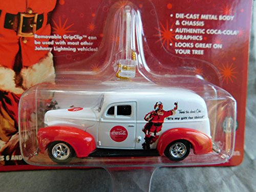 Coca-Cola 1940 Ford Sedan Delivery Holiday Ornament with Removable Hanger Santa Claus Card 1:64 scale die-cast by Johnny Lightning