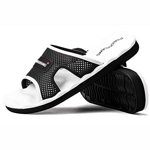 XIAOLIN Zapatillas de los hombres del verano Inicio sandalias de los hombres Sandalias de baño de la personalidad coreana Baño antideslizante (tamaño opcional) ( Color : 03 , Tamaño : EU43/UK9/CN44 ) 03