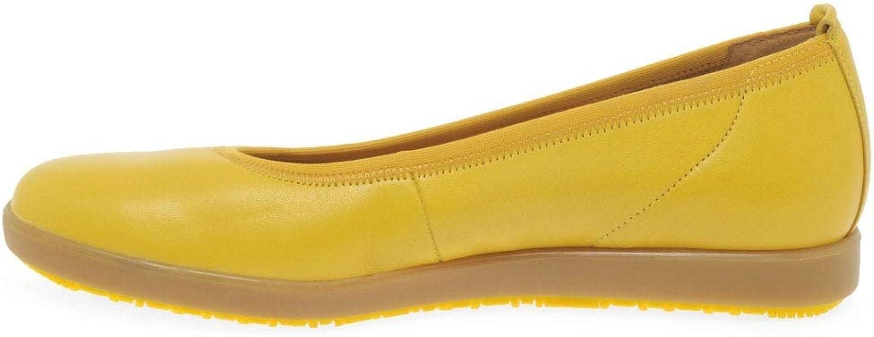 soft leather ballet pumps