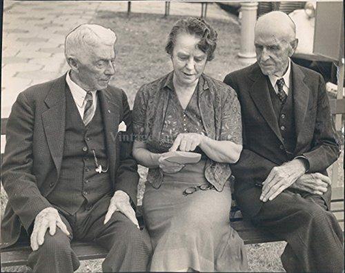 Vintage Photos 1940 Photo Dr BC Wentworth Quarter Century Club Evelyn Barton Rittenhouse ()