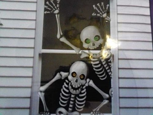 Hilarious Scary Skeletons Window Mural Halloween Decoration ()