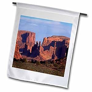 Danita Delimont–Rock formaciones–Yei Chei en Bi y Totem Pole Rock columna. Monument Valley–banderas