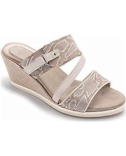 Scholl Fitness Nautilus Sandals - White  Amazon.co.uk  Shoes   Bags 21dbe4ac9da
