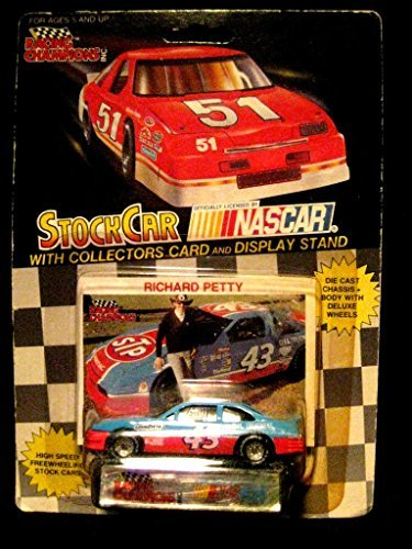 1991 NASCAR Racing Champions . . . Richard Petty #43 STP 1/64 Diecast . . . Includes Collectors Card and Display Stand by Racing Champions - Richard Petty Nascar