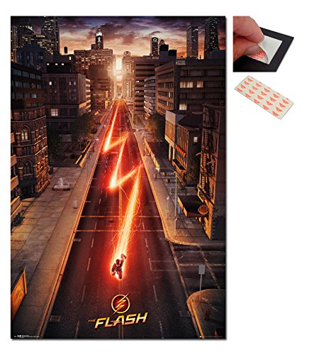 Bundle - 2 Items - The Flash One Sheet Movie Poster - 91.5 x