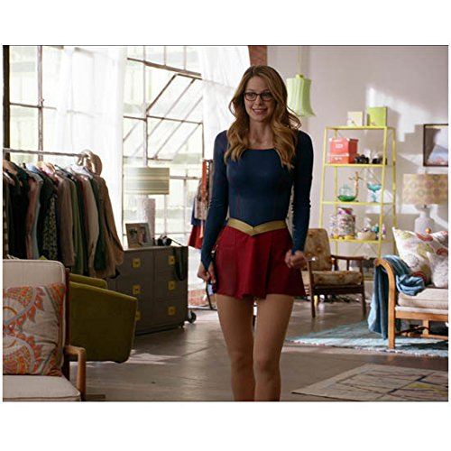 Supergirl Melissa Benoist Standing Smiling Wearing Glasses 8 X 10 Inch Photo