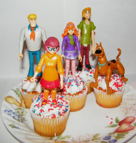 Scooby-Doo and Gang Figure Cake Cupcake Topper Poseable Decoration Set of 5 with Scooby, Shaggy, Fred, Velma and Daphne]()