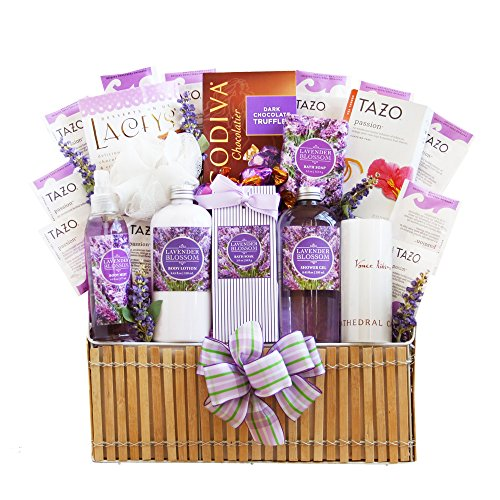 California Delicious Field of Lavender Spa Gift Basket