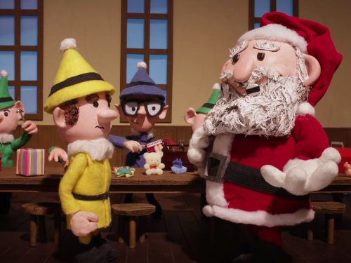 (Zach Galifianakis Wears a Santa Suit)