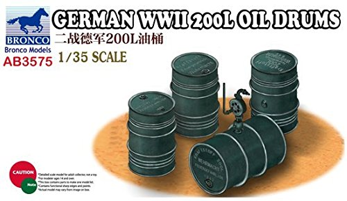 Bronco Models German WWII Oil Drums (1/35 Scale), 200 L