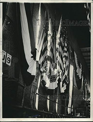 Historic Images - 1932 Vintage Press Photo American Flags in Chicago Stadium During Republican Convention