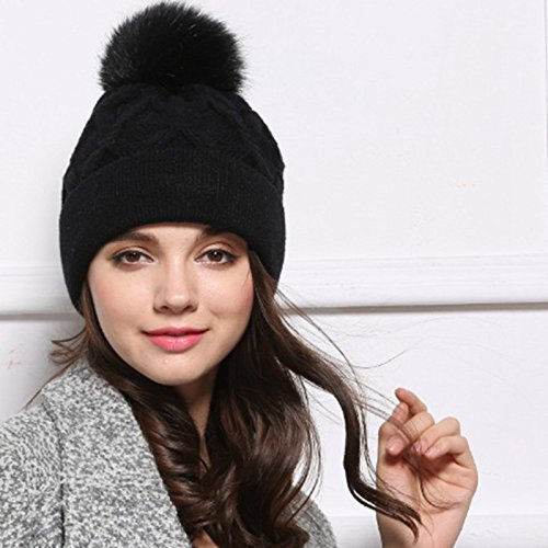 Hot Selling Womens Winter Hat Mink Raccoon Fur Pompom Female Caps Warm Fleece Inside Beanies Hats Tuque Hiver Femme (Color Black)