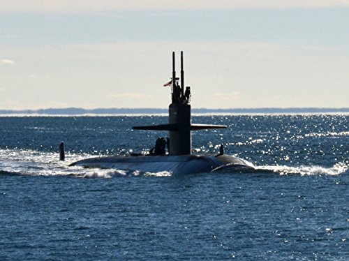 Navy Submarine Classes - The U.S. Navy Los Angeles-class attack submarine USS Dallas (SSN-700) returns to homeport at Groton,