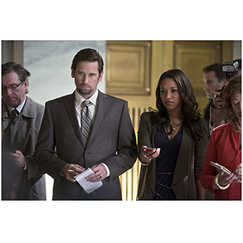 - The Flash (TV Series 2014 - ) (8 inch by 10 inch) PHOTOGRAPH Roger Howarth & Candice Patton from Hips Up w/Reporters kn