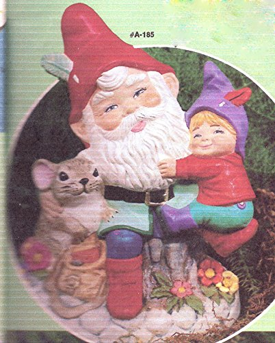 6 Papa Gnome with child and mouse