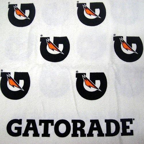 One Gatorade 'G' Towel by Gatorade by QUAKER OATS (Gatorade Towel)