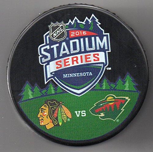 2016 Stadium Series Chicago Blackhawks Vs Minnesota Wild Tcf Bank Stadium Nhl Hockey Puck   Free Cube