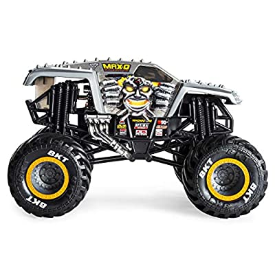 Monster Jam Official Max D Monster Truck, Die-Cast Vehicle 1:24 Scale: Toys & Games