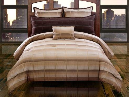 Hallmart Collectibles 32809 Linder Comforter Set, Queen, ...