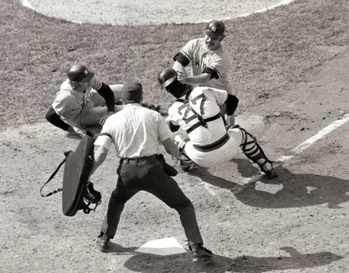 (New York Yankees Thurman Munson Knocking Over Boston Red Sox Carlton Fisk At Home Plate 8x10 Photograph)