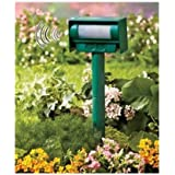Solar Powered Motion Sensor Ultrasonic High Pitch Noise Sound Animal Repeller Pest Control Stop Barking Dogs and Deer Repellent From Your Garden