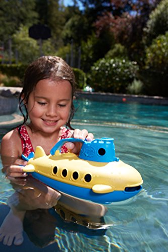51O1GICHklL - Green Toys Submarine - BPA, Phthalate Free Blue Watercraft with Spinning Rear Propeller Made from Recycled Materials. Safe Toys for Toddlers