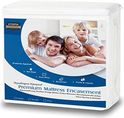 Utopia Bedding Protège-Matelas zippé étanche de Haute qualité - Hauteur du Matelas 25-35 cm - Protection Contre Les liquides, Insectes et acariens (135x190 cm)