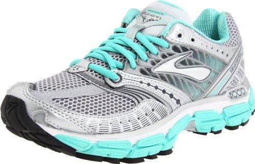 white brooks running shoes