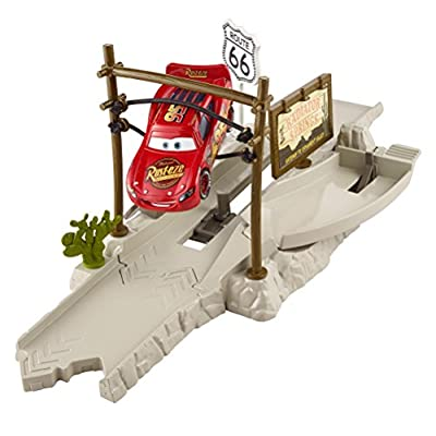 Disney/Pixar Cars Route 66 Speed Trap Launcher: Toys & Games