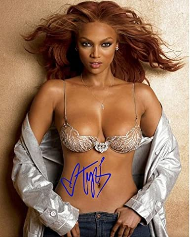 9157ba18fd Tyra Banks No Bra Autographed Preprint Signed 11x14 Poster Photo at Amazon s  Entertainment Collectibles Store
