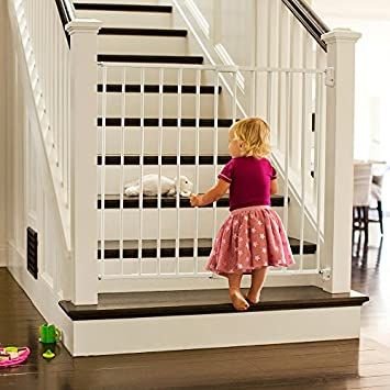 Munchkin Extending XL Tall and Wide Hardware Baby Gate, Extends 33 – 56 Wide, White, Model MK0004