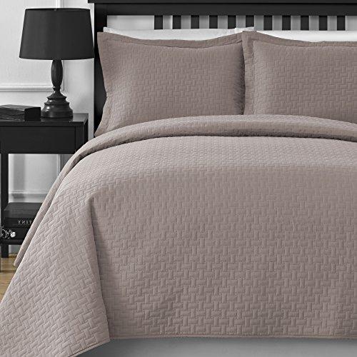 Comfy Bedding Extra Lightweight Frame 3-Piece Bedspread Coverlet Set (King/Cal King, Khaki) (Khaki King Comforter Set)