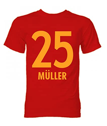 sale retailer c6f71 30b9b Amazon.com : Gildan Thomas Muller Bayern Munich Hero T-Shirt ...
