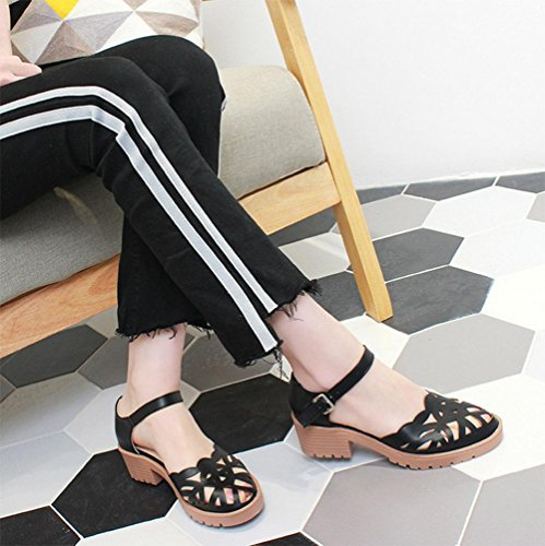 Sommer wilde Frauen Sandalen Header mit einem einzigen Schuh hohlen runden Schnalle Freizeitschuhe schwarz