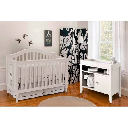 Lolly & Me Bailey 4 in 1 Convertible Crib, White
