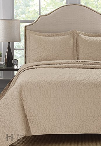 Larino Collection 3-Piece Quilt Set with Shams in Solid Colo