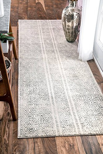 "nuLOOM Sarina Diamonds Runner Rug, 2' 8"" x 8', Grey - Made in Turkey PREMIUM MATERIAL: Crafted of durable synthetic fibers, it has soft texture and is easy to clean SLEEK LOOK: Doesn't obstruct doorways and brings elegance to any space - runner-rugs, entryway-furniture-decor, entryway-laundry-room - 51OCyzGbzEL -"