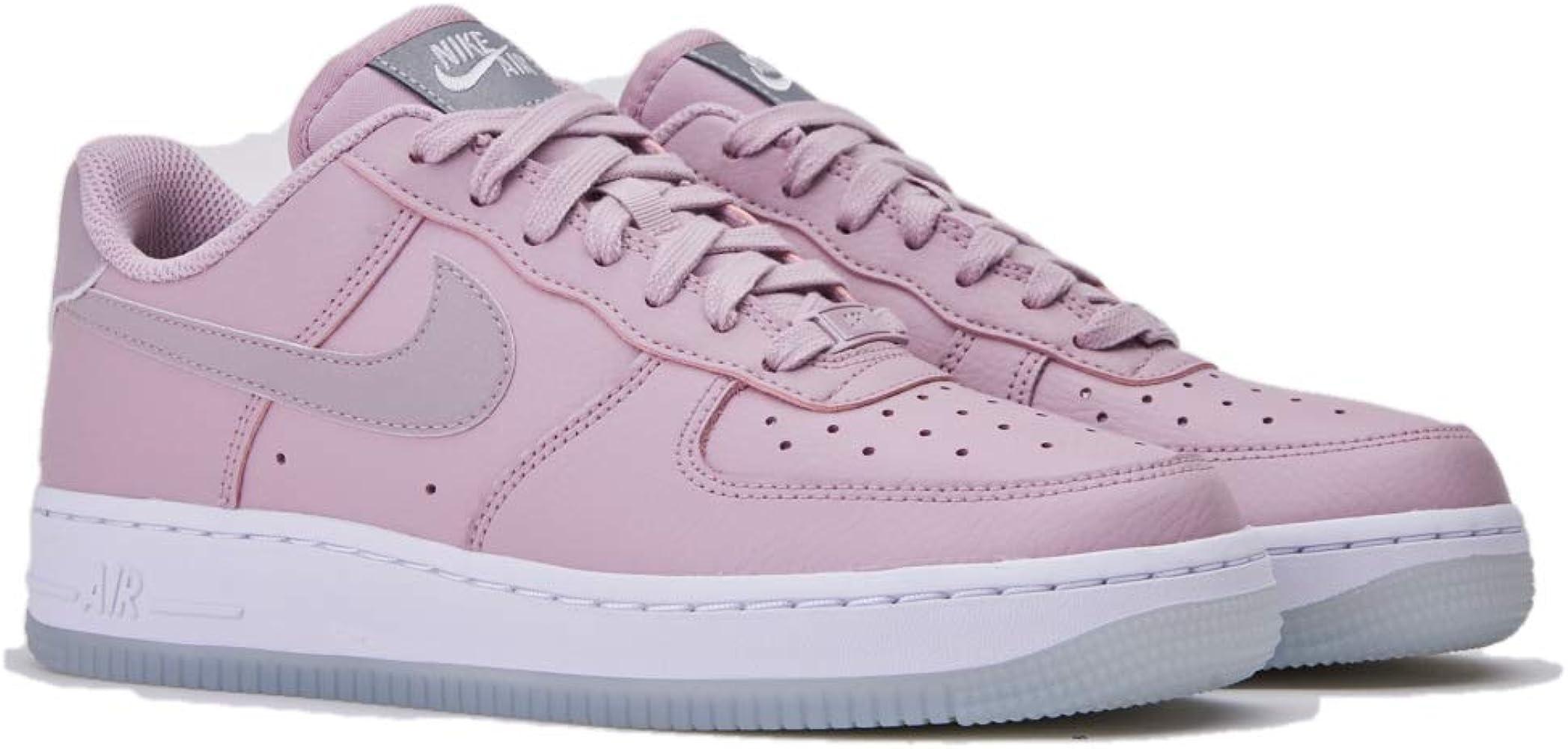 Nike Wmns Air Force 1 07 ESS, Zapatos de Baloncesto para Mujer ...