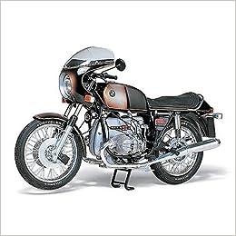Superbe Amazon.com: 1/6 BMW R90S Mortorcycle Kit TAM16008 By Tamiya  (4950344995950): Books