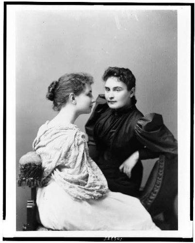 1893 photo Helen Keller, seated on the left, facing right, and Anne Sullivan, b5 (Images Of Helen Keller And Anne Sullivan)