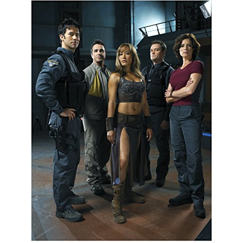 Stargate Atlantis Joe Flanigan smiling, Paul McGillion, Rachel Luttrell, David Hewlett, and Terri Higginson 8 x 10 Inch Photo