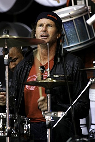 Posterazzi Poster Print Collection Chad Smith of the Red Hot Chili Peppers Performing At Live Earth At the Wembley Stadium in London Photo, (8 x 10), Multicolored