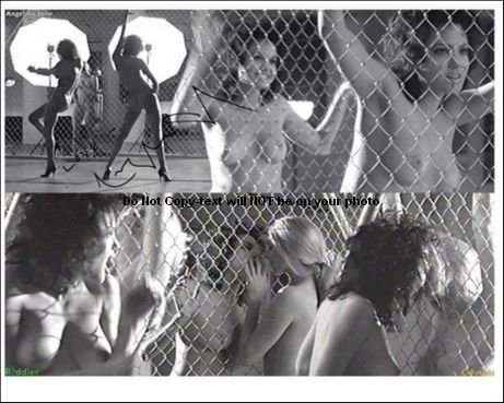 Angelina jolie topless gia