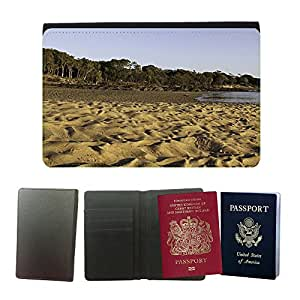 Passeport Voyage Couverture Protector // M00158829 Patrón playa de arena del mar del // Universal passport leather cover