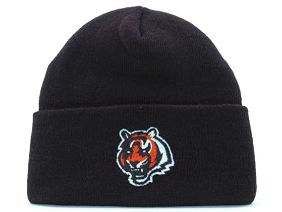 3e3c70bb548 Amazon.com  Cincinnati Bengals New NFL Basic Cuffed Black Knit Hat- One  Size Fits All OSFA  Clothing