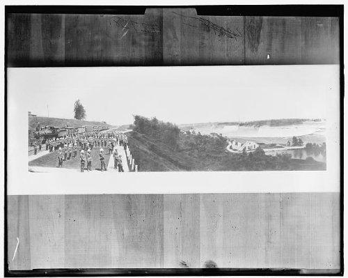 Photo: Niagara Falls, Queen Victoria Park, water, soldiers, Niagara Falls, Ontario, 1900 . Size: - Falls Niagara Ontario Shopping