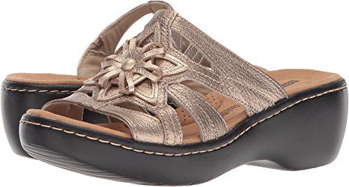 CLARKS Women's Delana Venna Platform, Pewter Metallic Leather, 9 Medium US ()