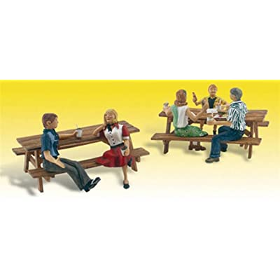 Outdoor Dining (5 Figures & 2 Picnic Tables) HO Scale Woodland Scenics: Toys & Games